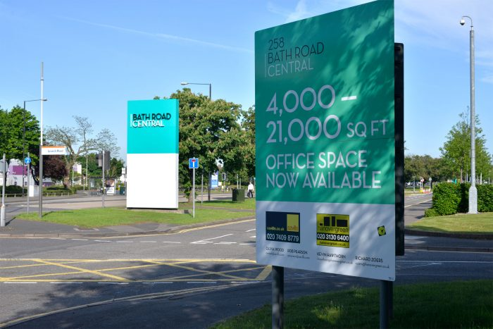 Advertising Totem for Bath Road Central, printed and installed by Octink