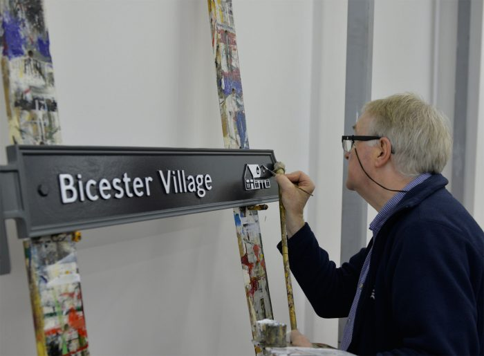 Bicester Village Traditional Signwriter