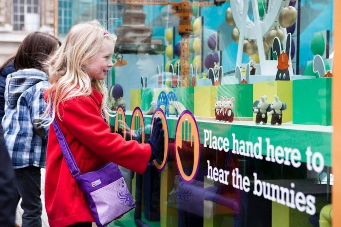 An outdoor interactive 3D graphic Easter display at London Eye by Octink