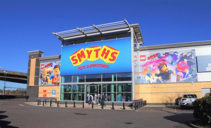 Smyths-Store-Building-Wrap-Lego-